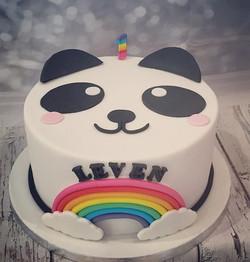 Panda cake #panda #pandacake #cakedesign