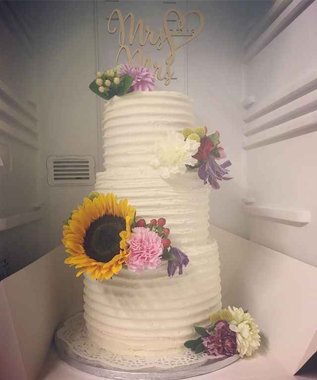 Wedding cake #weddingcake #wedding #past