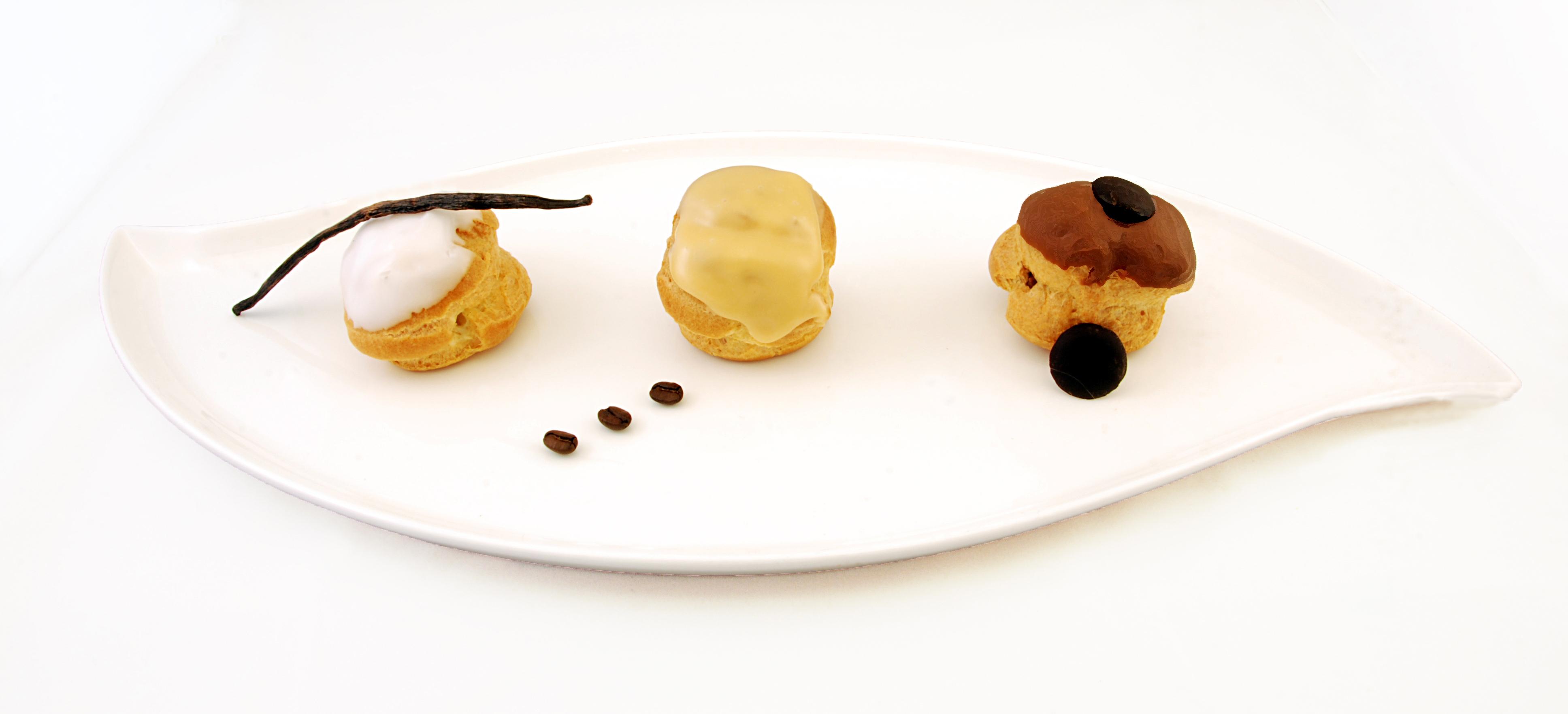Choux vanille, café, chocolat