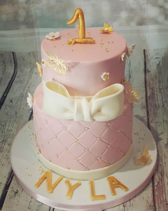 #firstbirthdaycake #cakedesign #birthday