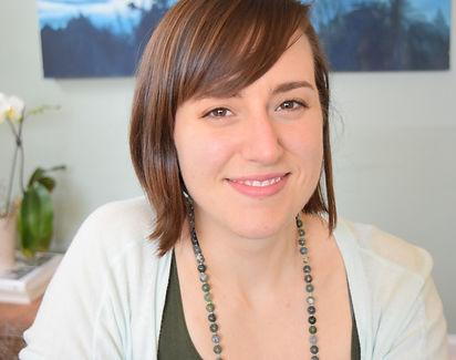 woman smiling, Dara Mussar