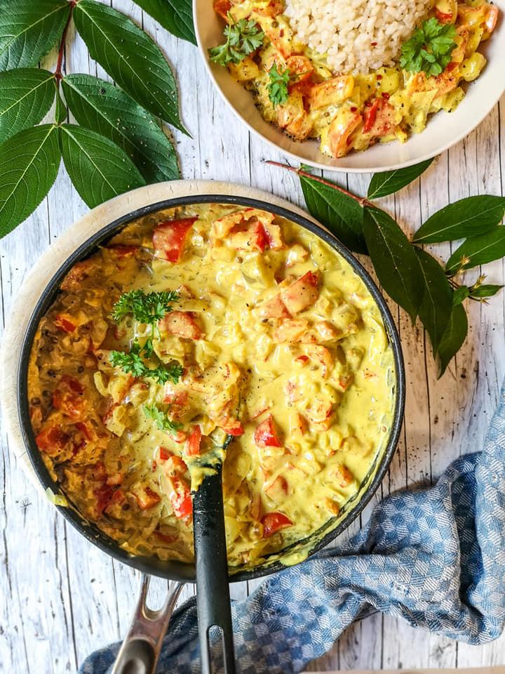 Schnelles Paprika-Curry mit Kokosmilch