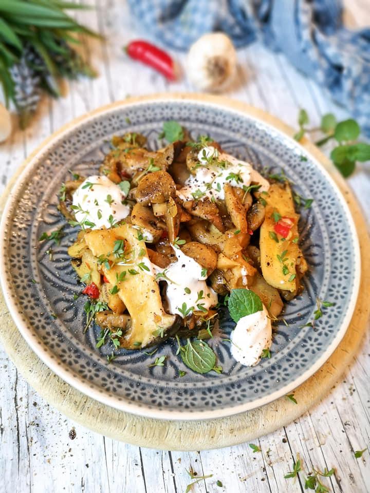 Schnelles und leckeres Pilz-Gericht mit Chili, Knoblauch und Frischkäse