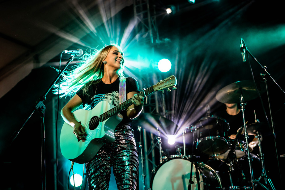 Melanie Dyer Reps RMG at 2019 CMC Rocks fest
