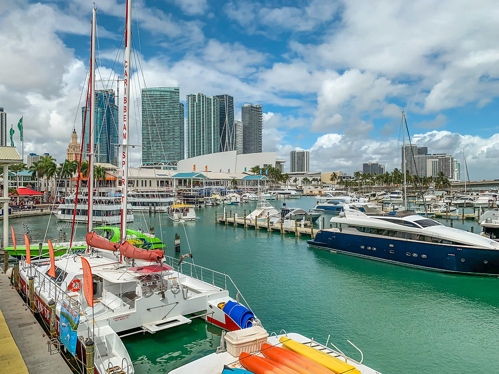 bayside marketplace in downtown miami. restaurants, shops, mall, boat day city tours.