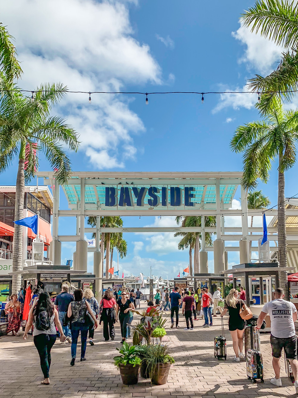 shopping and dining in downtown miami florida