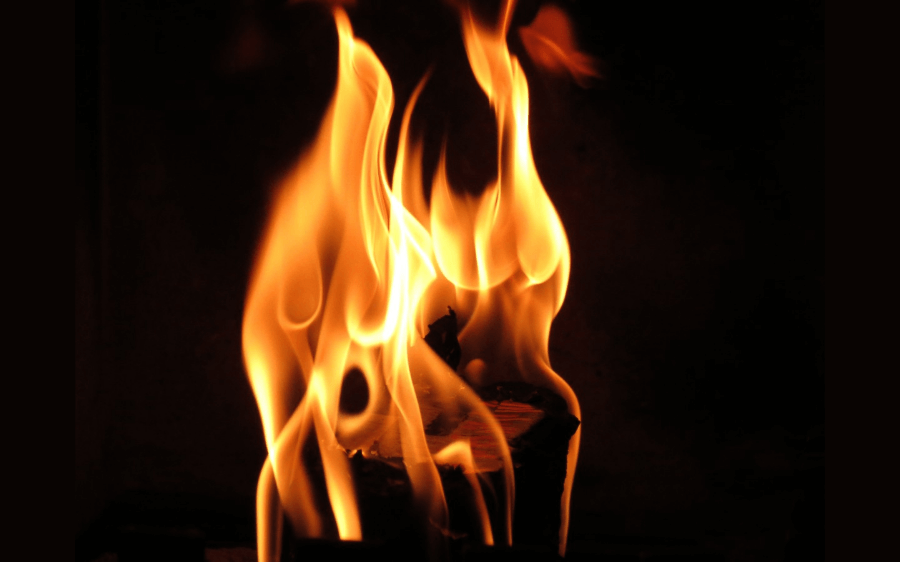 संपत्ति विवाद में बहू ने सास को जलाया, हालत गंभीर