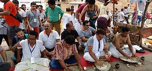 150 पुरुषों ने 'ज़हरीले Feminism' से मुक्ति के लिए किया श्राद्ध कर्म और 'पिशाचिनी मुक्ति पूजा'