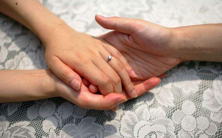 पत्नी किसी और के साथ रही तो भी कम नहीं होती पति की जिम्मेदारी