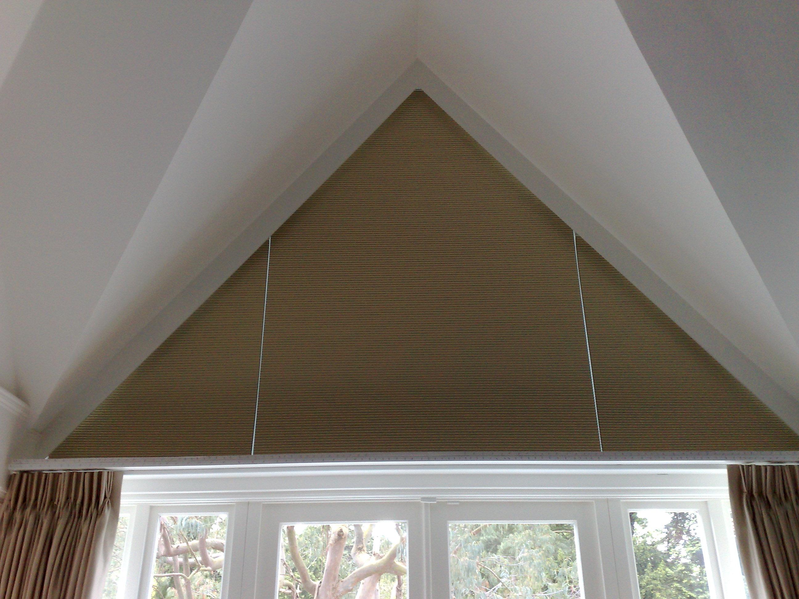 Pleated -Triangle window