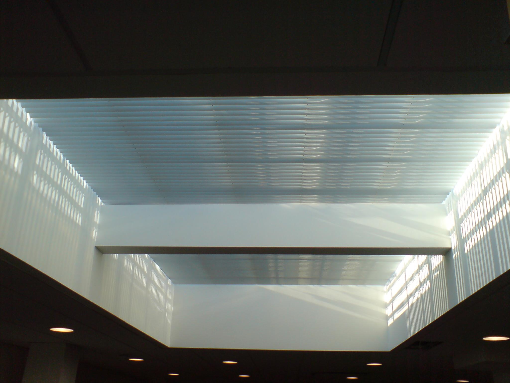 Rackarm skylight closed