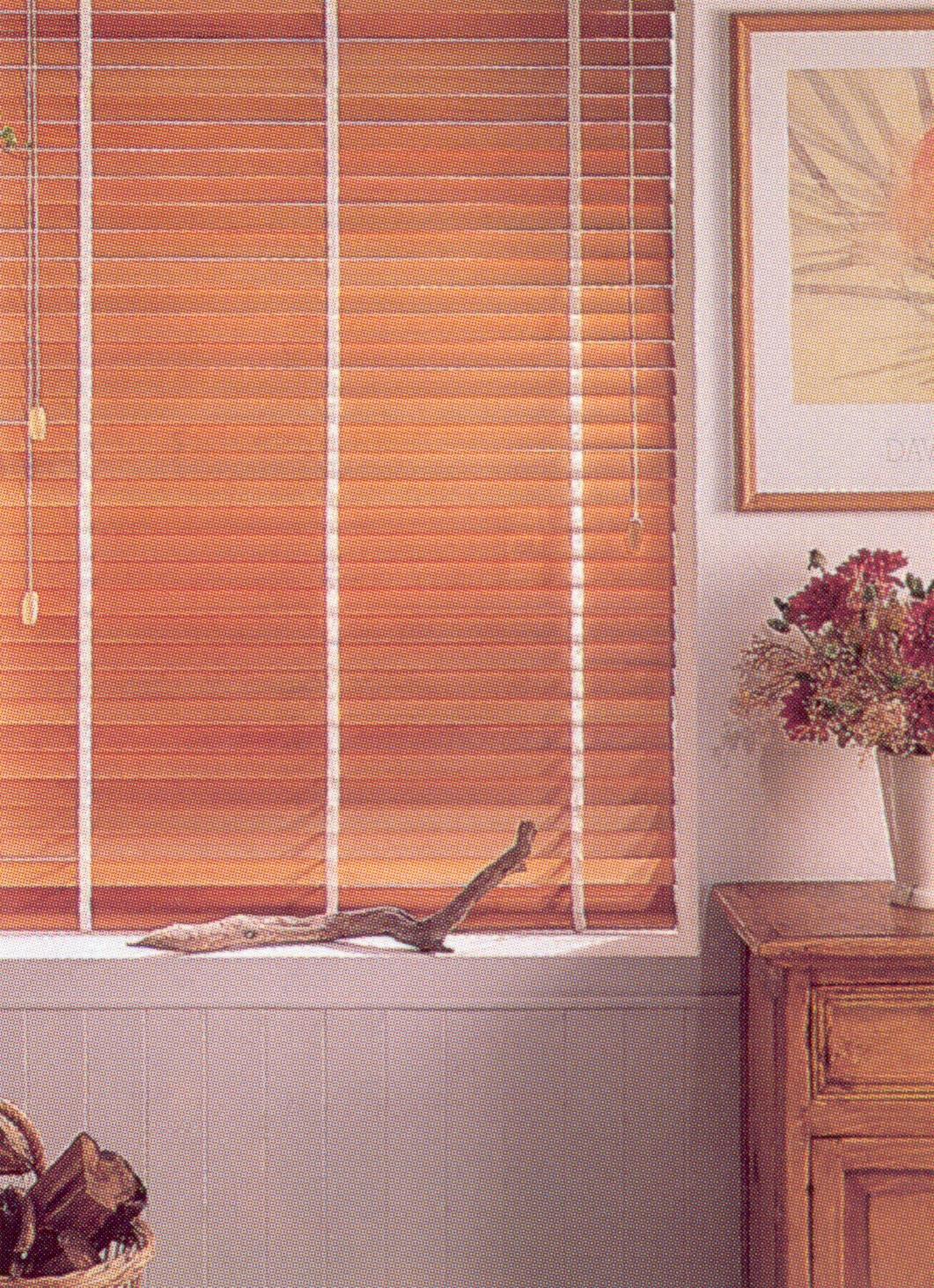wood blind 10