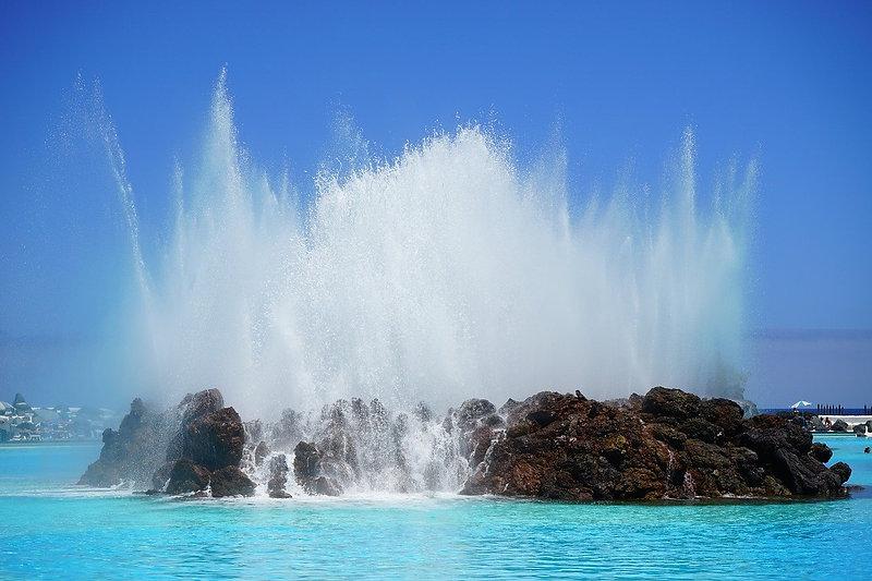 fountain-461552_1280.jpg