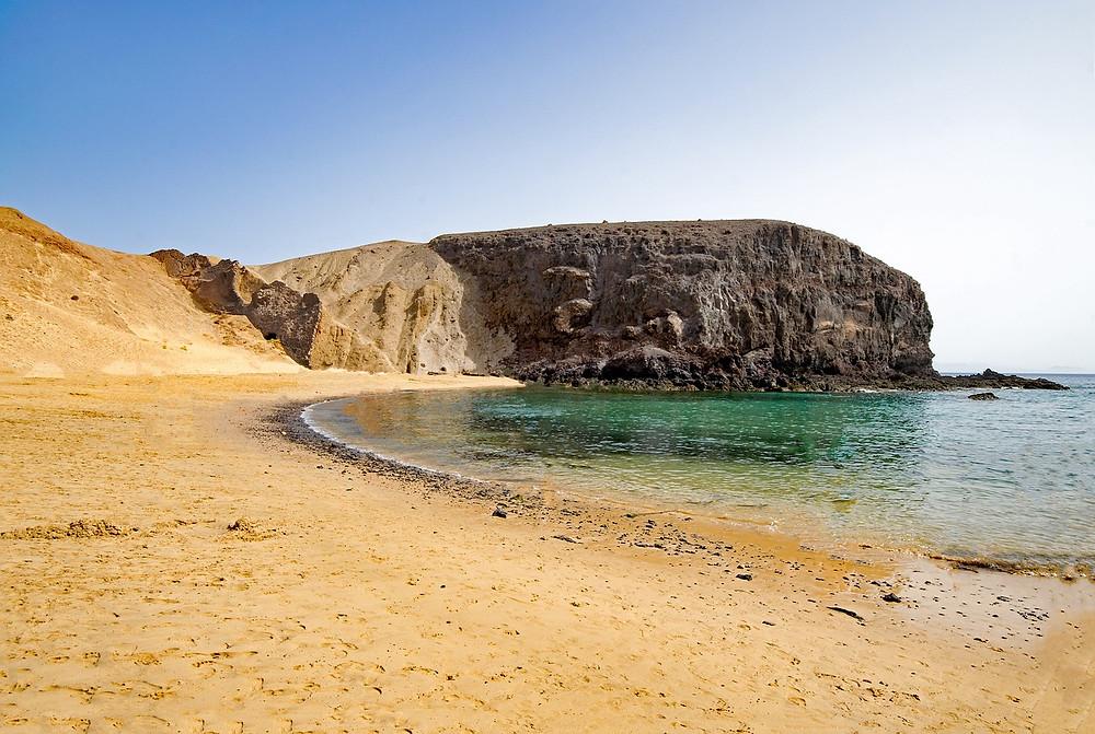 Oblíbená pláž na Lanzarote - Playa del Papagayo