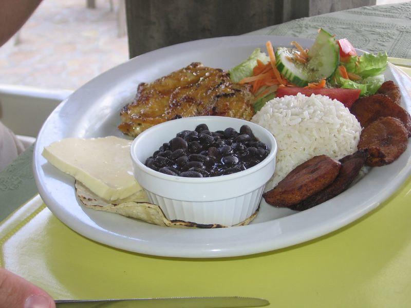 Foto: Kostarický pokrm Casado od Melinda, Flickr