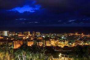 Puerto v noci.jpg