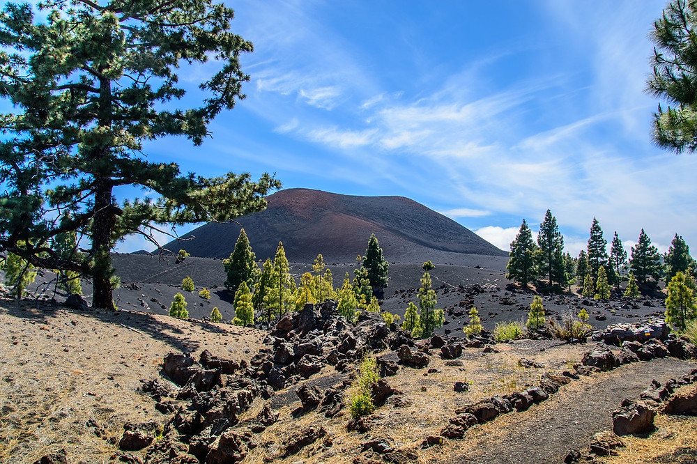 Sopka Chinyero na Tenerife u silnice TF-38