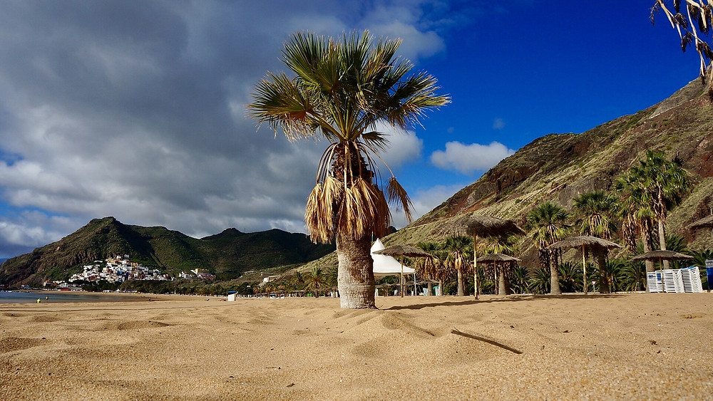 Pláž Las Teresitas, sever Tenerife