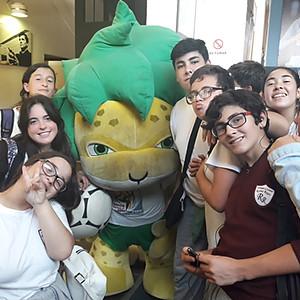 Visitando el Estadio Centenario con alumnos de segundo y tercer año.