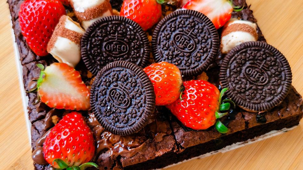 Oreo Birthday Brownies with custom box 生日布朗尼