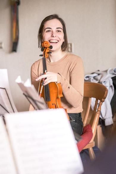 Claire Foto Violin.JPG