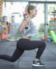 Girl workout. Trainer_ _pomaricodaniele