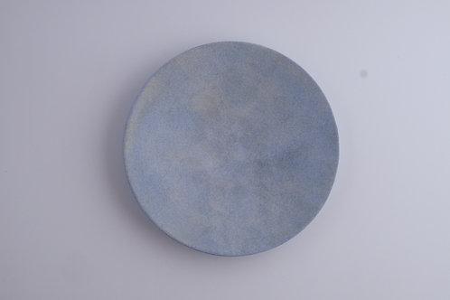 Handmade minimalistic ceramic plate | Makoto SAITO