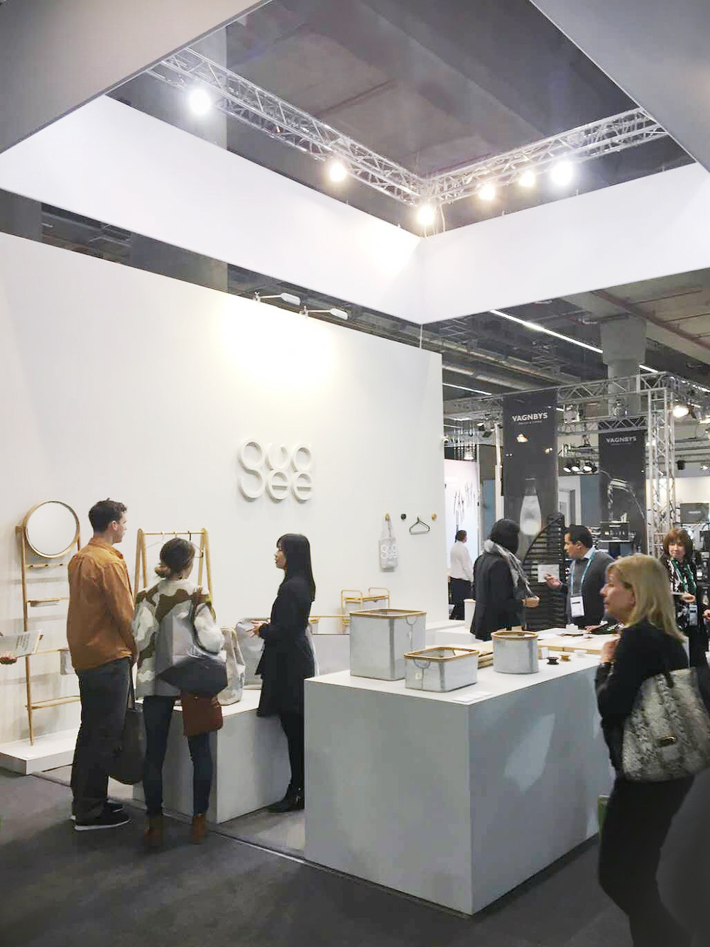 Gudee Blog-exhibition design visitors-Gudee unveils new collection at Ambiente 2018
