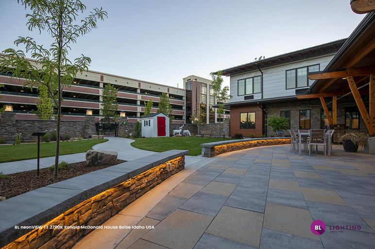 BL-neonVIEW-FT-2700K-Ronald-McDonald-House-Boise-Idaho-USA.jpg