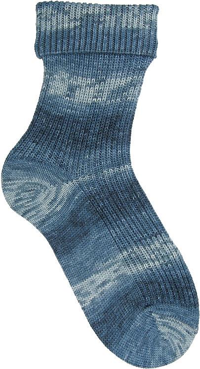 Ocean Blue Opal Sock Yarn pre-pattern 4 ply