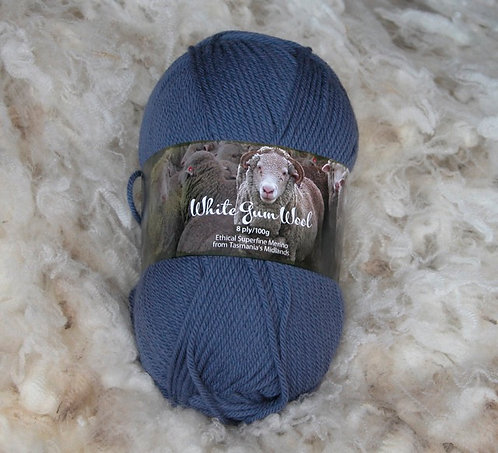 storm blue 8 ply merino white gum wool