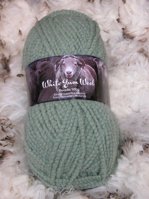 pale green boucle 12 ply