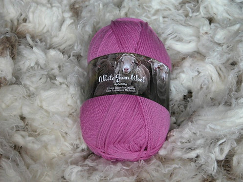peachberry pink 8 ply merino white gum wool