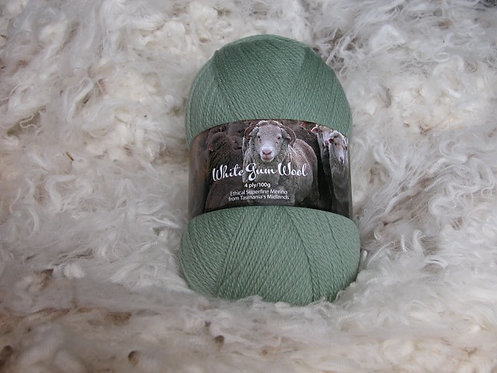 pale green 4 ply merino wool