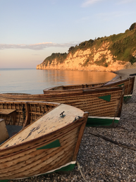 Beautiful wooden motor boats available to hire
