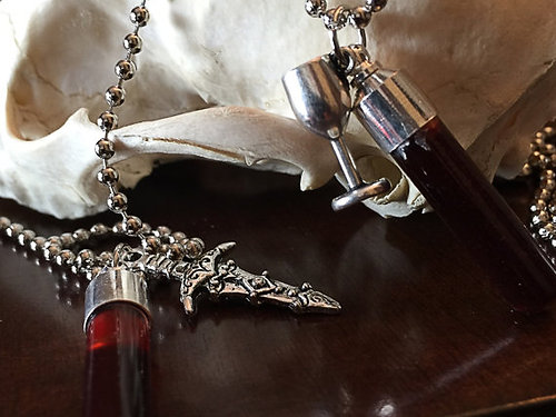 Single piece blood vial pendant kit includes anticoagulant mozeypictures Image collections