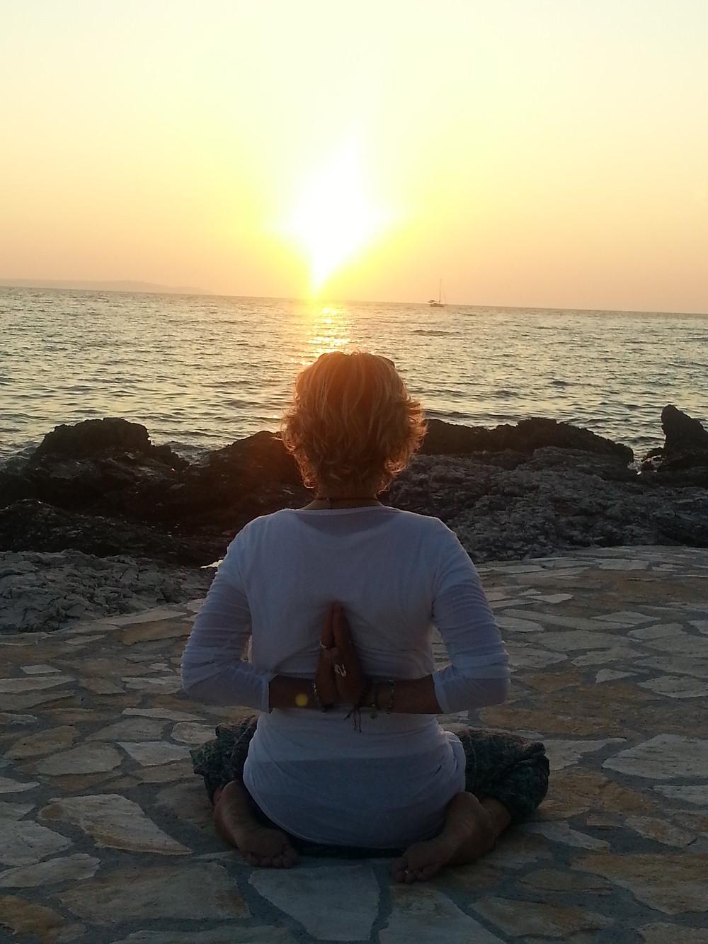 tramonto a Lussino Yoga nel Blu