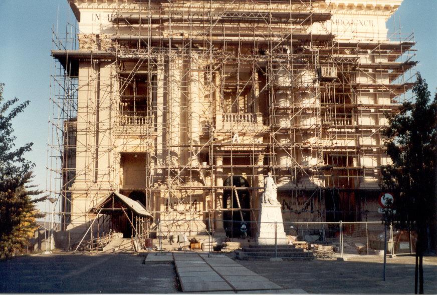 renovatie an de Basiliek van Oudenbosch