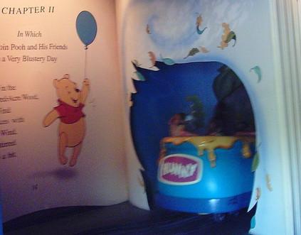 Walt Disney World Winnie the Pooh  Hunny pot car