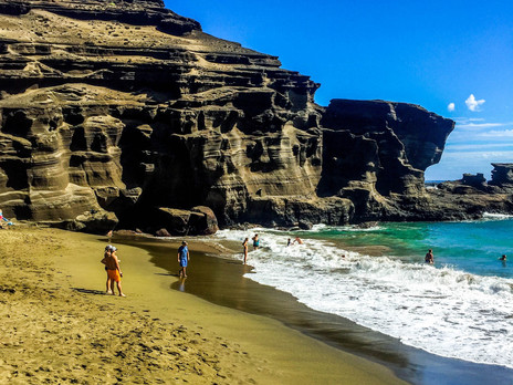 PAPAKOLEA GREEN SAND and SOUTH POINT CLIFF JUMPING--THE BIG ISLAND