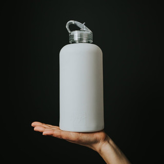 Classic Water Bottle in White. Glass. 1litre.
