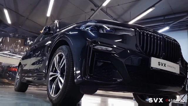 BMW Х7: оклейка в цветной винил