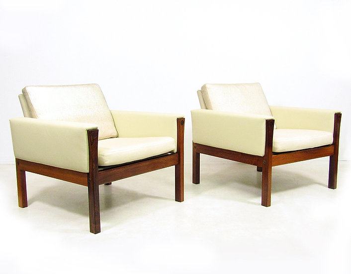 Two 1960s Lounge Chairs In Rosewood By Hans Wegner
