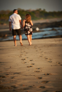 Engagement photographer at Playa Junquillal in Costa Rica