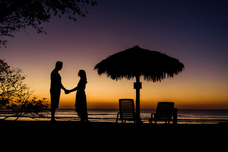 Couple's photography in Playa Langosta, Costa Rica