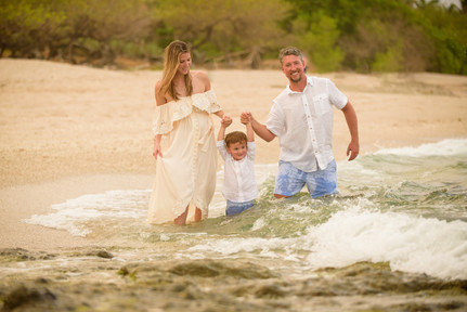 Maternity photography on Langosta Beach, Costa Rica