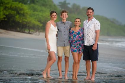 Family photographer in Tamarindo, Costa Rica