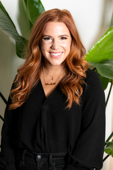 Elizabeth Luttmer, Benefit Salon