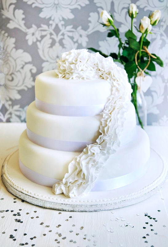 Ruffle Wedding Cake_edited