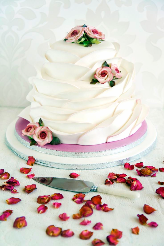 Ruffle Wedding Cake With Roses_edited